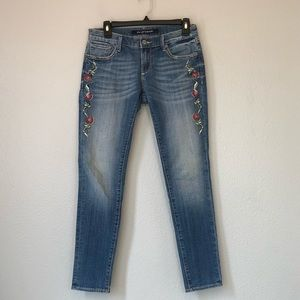 Driftwood embroidered skinny jeans size 26